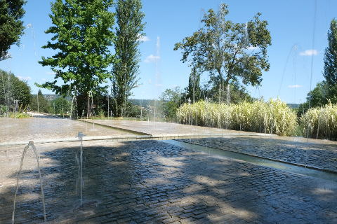 Les jardins de l 39 imaginaire a stunning modern garden in for Jardin imaginaire
