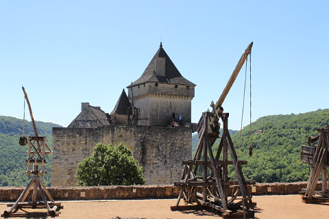 Chateau de Castelnaud weapons