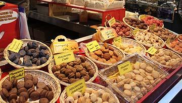 Sarlat Indoor market