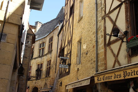 Narrow street of Sarlat