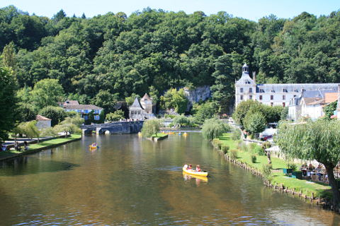 canoeing in Brantome